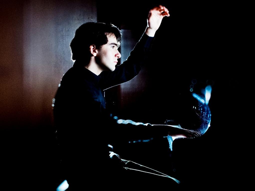 Ingmar Lazar - pianist roman