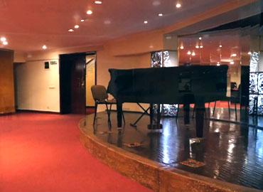 Sala Club a Centruui National Tinerimea Romana