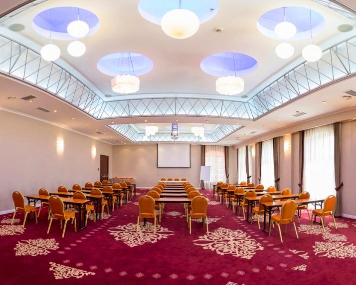 sala-eminescu-hotel-caro