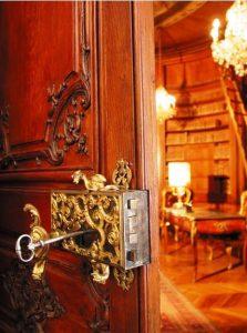 Palatul Behague - intrarea in Salonul Bleu