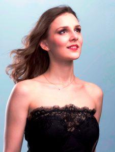 Gina Gloria Tronel - soprana, castigatoare Concursul National Mihail Jora